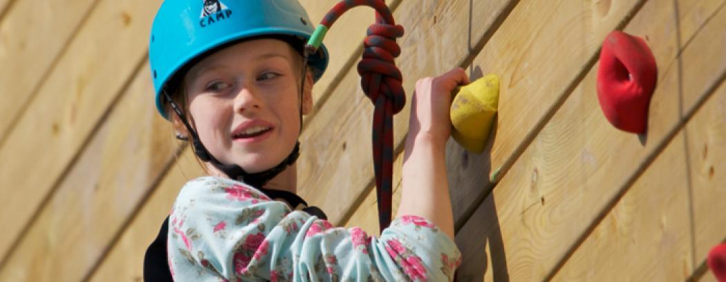 Netball team take to the climbing wall