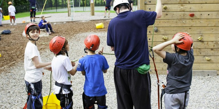 Children using the low ropes