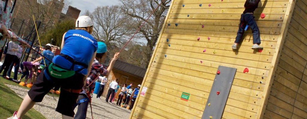 Outdoor rope climbing wall